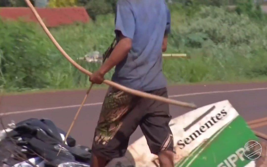 G1: Indígenas protestam em Dourados, MS, contra saída de área por ordem da Justiça