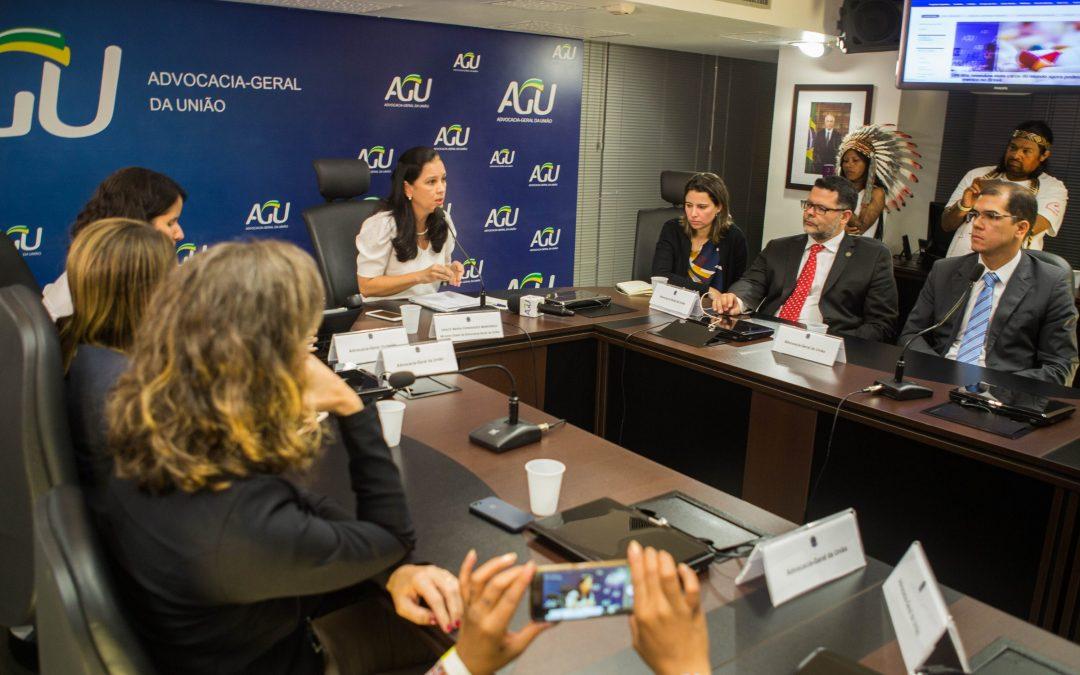 """CIMI: Ministra da AGU reconhece que """"não tem autonomia"""" para revogar parecer do genocídio."""