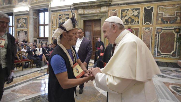 CIMI: Papa Francisco: jovens e indígenas protagonistas da conversão ecológica