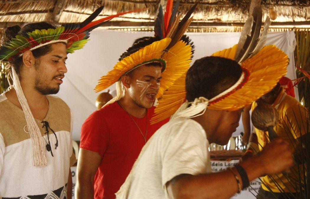 CIMI: Juventude indígena do Nordeste debate terra, universidade e espiritualidade durante encontro na TI Potiguara