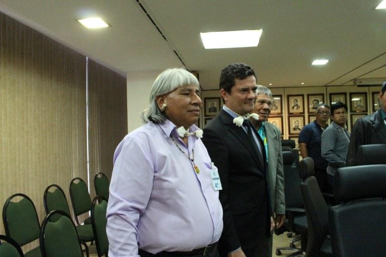 MINISTÉRIO DA JUSTIÇA: Ministro Moro recebe lideranças indígenas