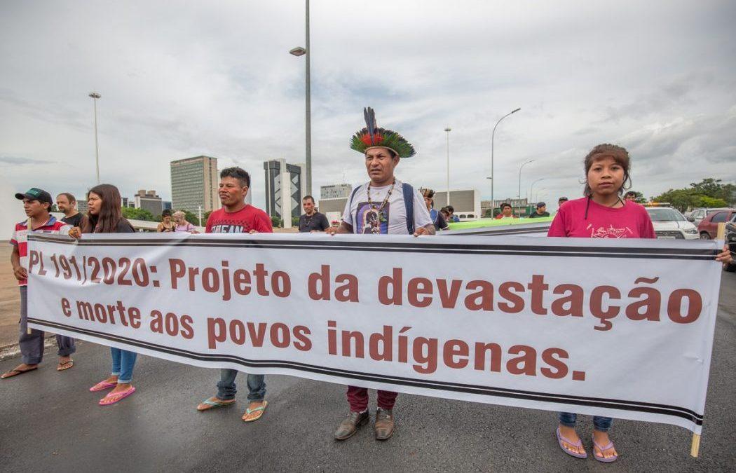 CIMI: Mobilização Nacional Indígena divulga nota de repúdio ao PL que regulamenta mineração e empreendimentos em terras indígenas