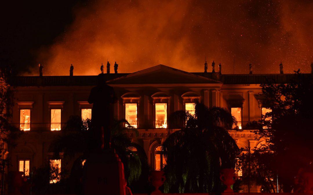 FOLHA DE SÃO PAULO: Diretor do Museu Nacional está na Áustria para receber peças de coleção indígena