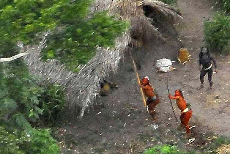 AMAZÔNIA NOTÍCIA E INFORMAÇÃO: Missão evangélica quer contatar indígenas isolados na Amazônia; risco de coronavírus