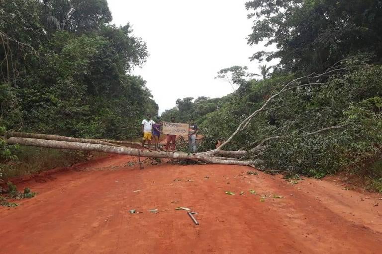 FOLHA DE SÃO PAULO: Sem esperar governo, indígenas fecham estradas e expulsam garimpeiros contra coronavírus