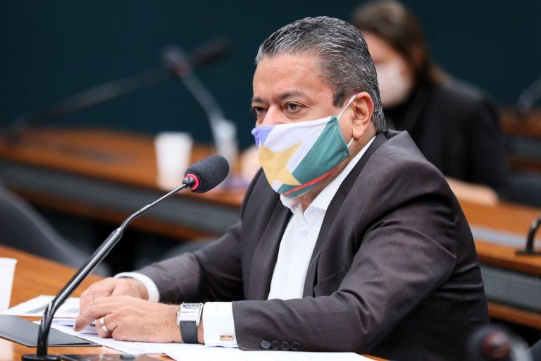 CÂMARA: Deputado critica vetos à lei de transferência de terras da União para Roraima e Amapá