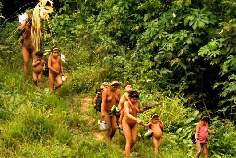 FOLHA DE SÃO PAULO: Governo admite falta de barreira sanitária contra a Covid-19 em 8 terras indígenas