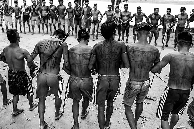 BRASIL DE FATO: Garimpo gera problemas sanitários, ambientais e culturais em terras indígenas