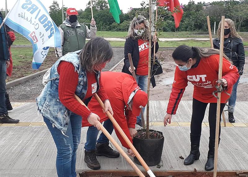 BRASIL DE FATO: No RS, 26º Grito dos Excluídos planta as sementes de um futuro mais justo