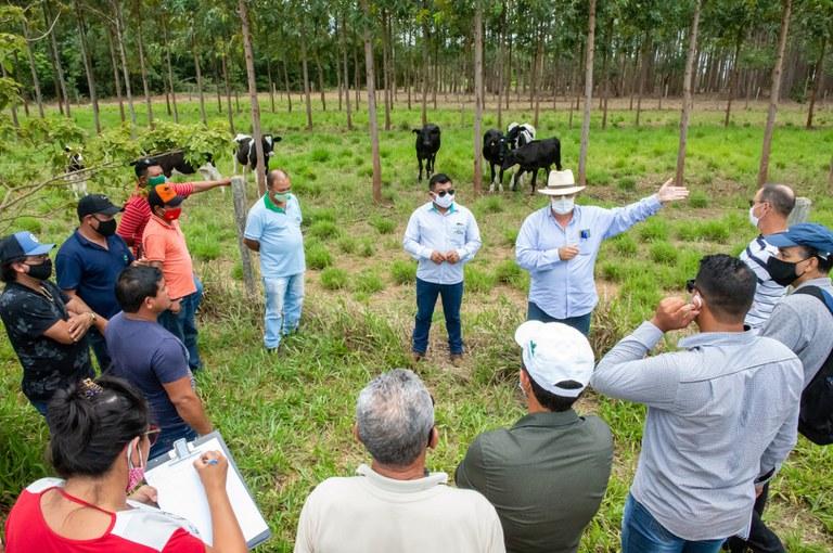 FUNAI: Com apoio da Funai, produtores indígenas participam de intercâmbio de tecnologias em Mineiros (GO)