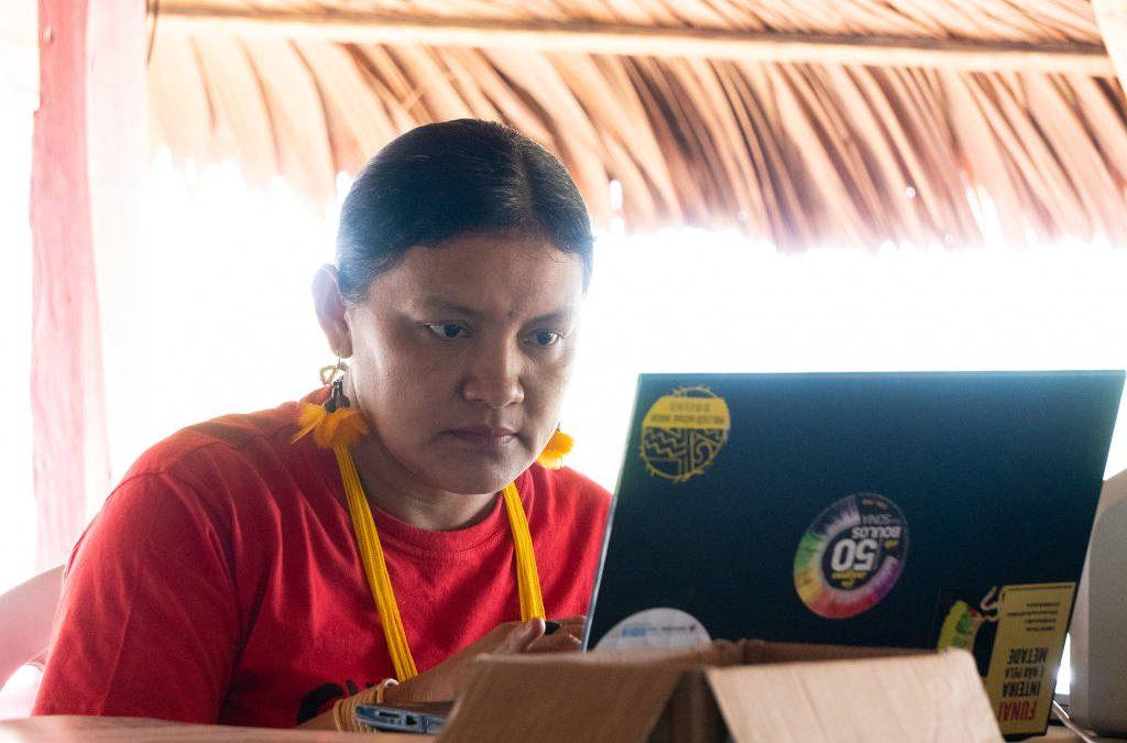 FOLHA DE S. PAULO: 'Contar mortes de parentes e pessoas próximas gera muita dor', diz líder indígena sobre app
