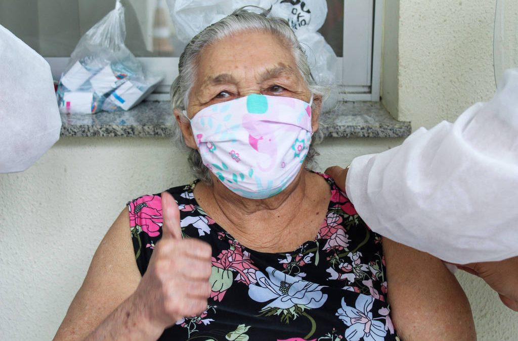 FOLHA DE SÃO PAULO: Ritmo de vacinação contra a Covid-19 tem grande discrepância entre as capitais