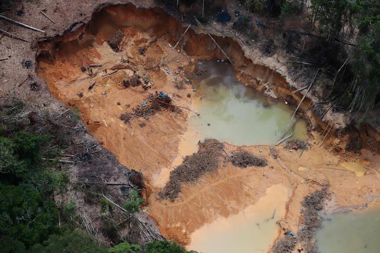 FOLHA DE SÃO PAULO: Número de pedidos para lavra de ouro em terra indígena bate recorde à espera de projeto de lei