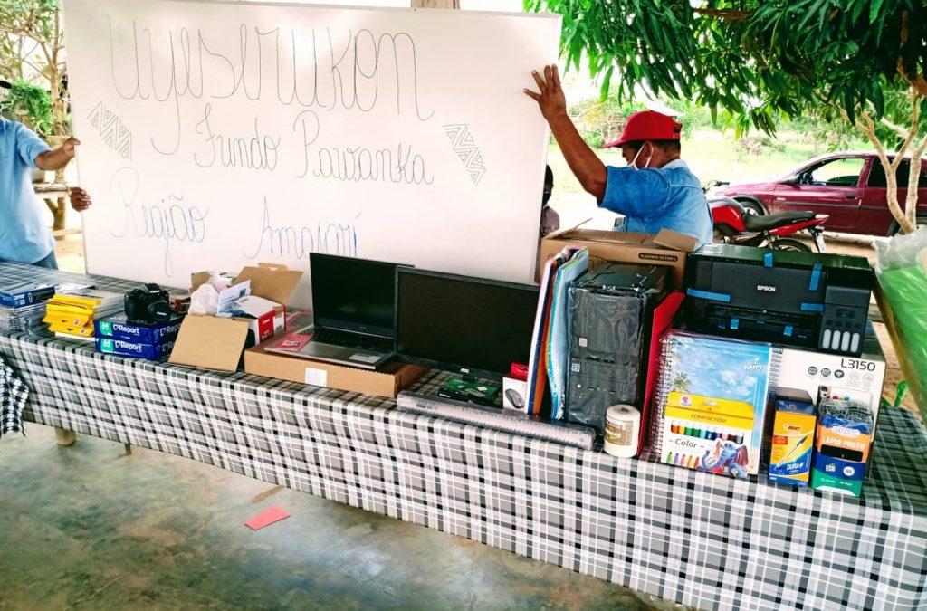 CIR: CIR realiza entrega de materiais didáticos na comunidade indígena Mangueira, Região Amajari para fortalecer a língua tradicional