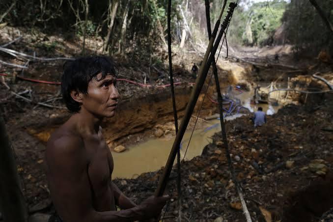 APIB: Dois meses após início de conflitos, garimpeiros voltam a atacar indígenas na Terra Yanomami