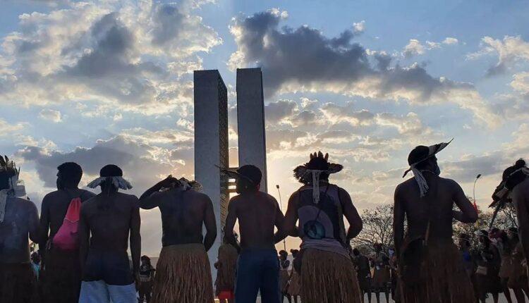 CONGRESSO EM FOCO: Moraes pede vista e julgamento do marco temporal de terras indígenas é suspenso