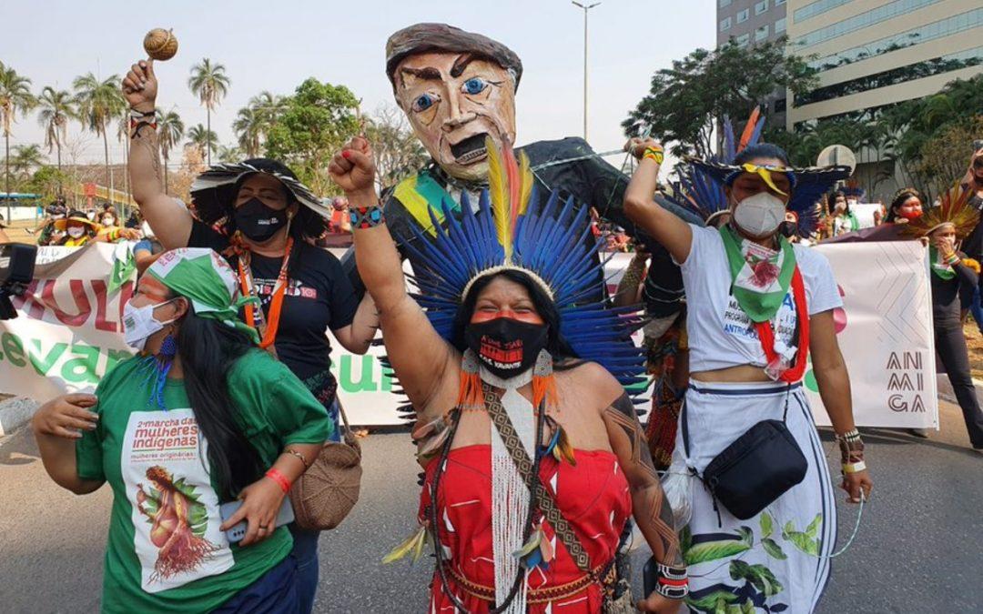 RBA: Bolsonaristas tentam intimidar, mas mulheres indígenas realizam marcha em Brasília nesta sexta