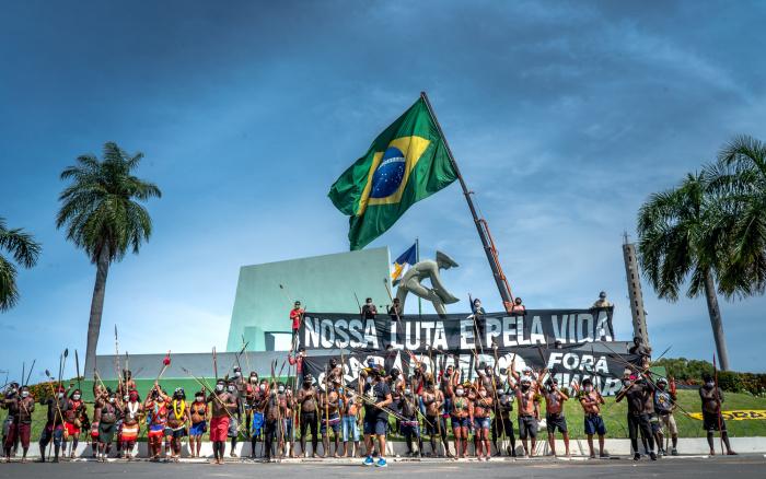ISA: Yanomami marcham em Boa Vista para denunciar invasão garimpeira e colapso na saúde